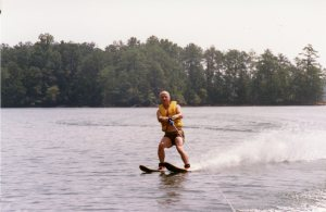 1987 Dad skiing 4