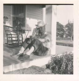 1953 Dad visits Arkansas July 4