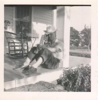 1953 Dad visits Arkansas July 4